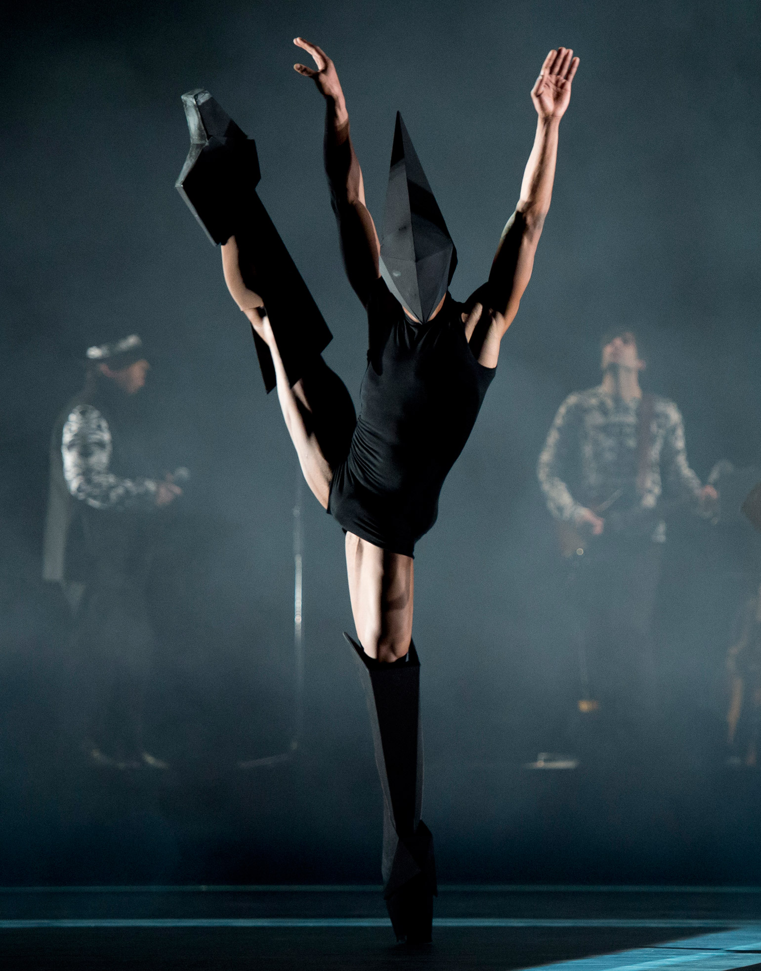 Wayne mcgregor celebrates ten years at the royal ballet wallpaper voltagebd